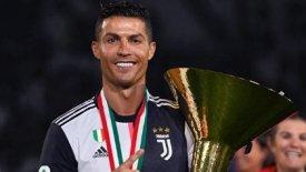 Ρονάλντο: Αγκαλιά με το πρώτο του πρωτάθλημα Ιταλίας (pic)