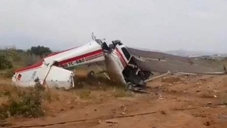 Συντριβή εκπαιδευτικού αεροσκάφους στην Αττάλεια – Ένας νεκρός  (pics)