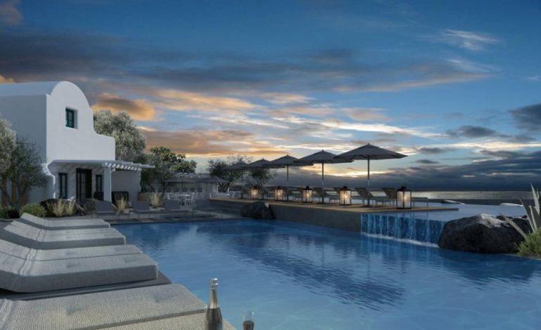 OMMA Santorini: Το νέο πεντάστερο boutique ξενοδοχείο με φαντασμαγορική θέα στο Ημεροβίγλι