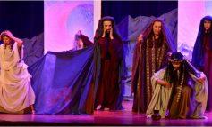 Η Θεατρική παράσταση Βραχονησίδα απόψε 14/09 στο Δημαρχείο Κηφισιάς.