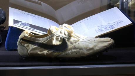 Ένα από τα πρώτα αθλητικά της Nike πωλήθηκε έναντι… 437.500 δολαρίων (pics&vid)