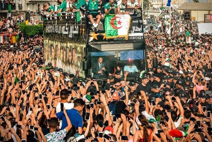 Αλγερία: Μια χώρα στους δρόμους για τους θριαμβευτές (pics & vid)
