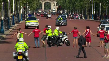 Βρετανία: Διαδηλωτές επιχείρησαν να εμποδίσουν τον Μπόρις Τζόνσον να φτάσει στο Μπάκιγχαμ (vid)