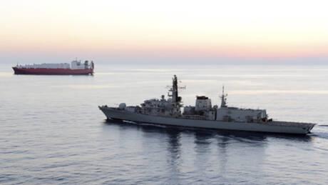 Επεισόδιο στον Κόλπο: Απόπειρα κατάληψης βρετανικού τάνκερ από ιρανικά σκάφη – Διαψεύδει η Τεχεράνη