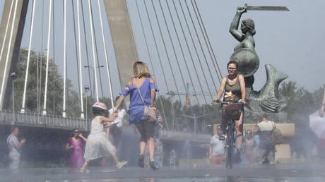 Η Ευρώπη «ψήνεται» ξανά: Νέο κύμα καύσωνα με θερμοκρασίες – ρεκόρ σαρώνει τη Γηραιά Ήπειρο (pics&vid)