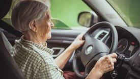 Οι οδηγοί άνω των 74 ετών θα κρατούν το δίπλωμα με απόφαση γιατρού