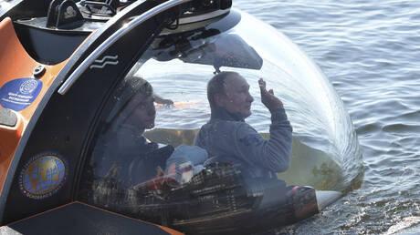 Ο Βλαντιμίρ Πούτιν σε βαθυσκάφος βλέπει το ναυάγιο σοβιετικού υποβρυχίου (pics)