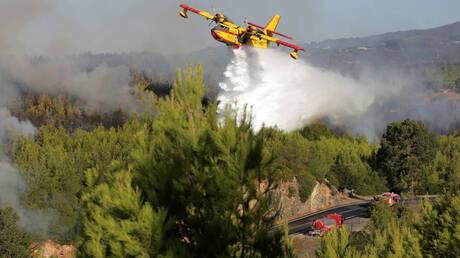 Πυρκαγιές στην Πορτογαλία: Περισσότεροι από 900 πυροσβέστες στη «μάχη» με τις φλόγες