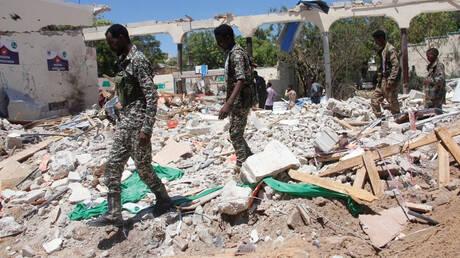 Σομαλία: Τουλάχιστον 12 νεκροί από βόμβα σε ξενοδοχείο – Δύο δημοσιογράφοι ανάμεσα στα θύματα