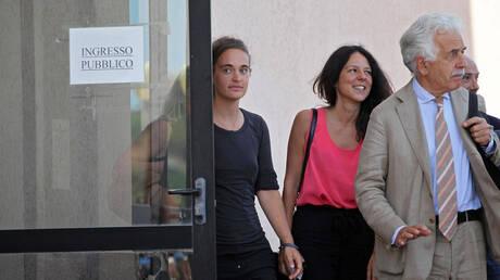 Στη Γερμανία επιστρέφει η Καρόλα Ρακέτε