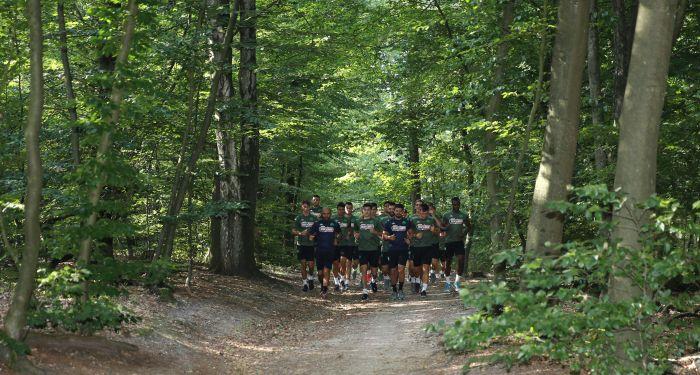 Τρέξιμο στο δάσος με 38 βαθμούς στο Άρνεμ! (photos)