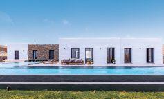 The White Cube: Μια εντυπωσιακή κατοικία με κυκλαδίτικα στοιχεία στη νοτιά πλευρά της Μυκόνου