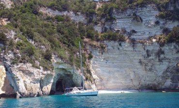 Οι σμαραγδένιες μαγευτικές σπηλιές των Παξών