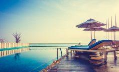 Άμεση μείωση του ΦΠΑ για όλο το τουριστικό πακέτο στο 13%