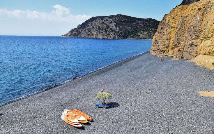 Η φημισμένη παραλία της Χίου με την απόκοσμη ομορφιά