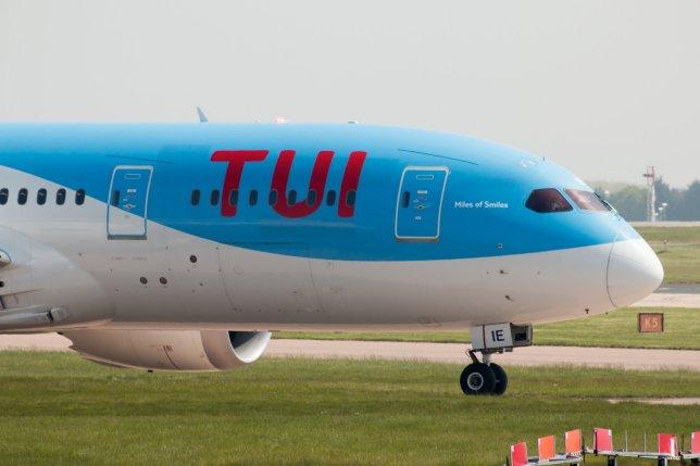Αναγκαστική προσγείωση αεροσκάφους λόγω… έξαλλου συζύγου: Την έβριζε και την έφτυνε