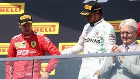 Xάμιλτον: «Η Formula 1 χρειάζεται τον Φέτελ»