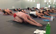 Hot Yoga: H πιο hot version της yoga που θα σου χαρίσει το κορμί που ονειρεύεσαι!