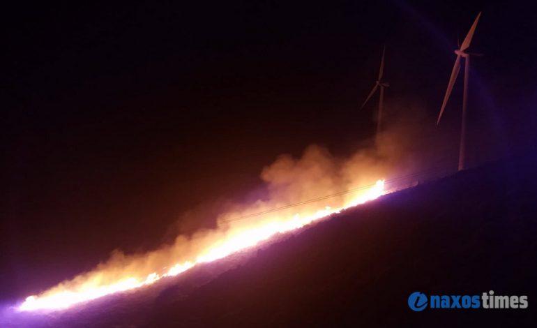 Φωτιά στην Κόρωνο της Νάξου