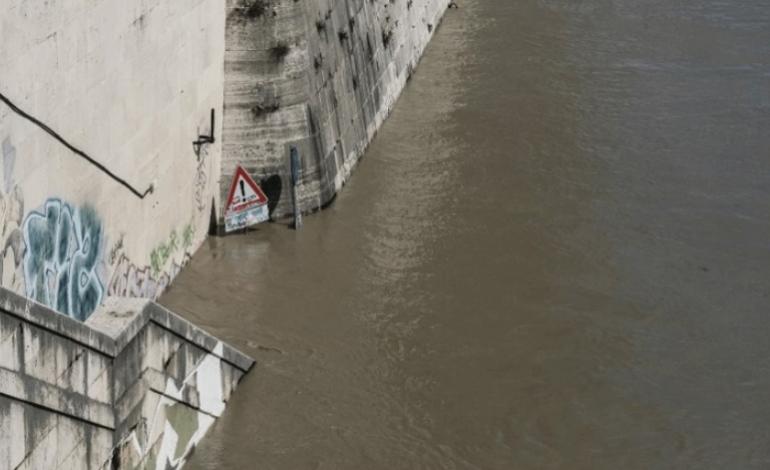 Ιταλία: Τρεις νεκροί από τις σφοδρές βροχοπτώσεις