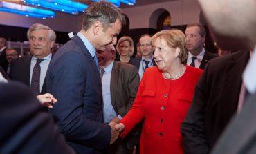 DW: Η Μέρκελ συγχαίρει Μητσοτάκη και ευχαριστεί Τσίπρα