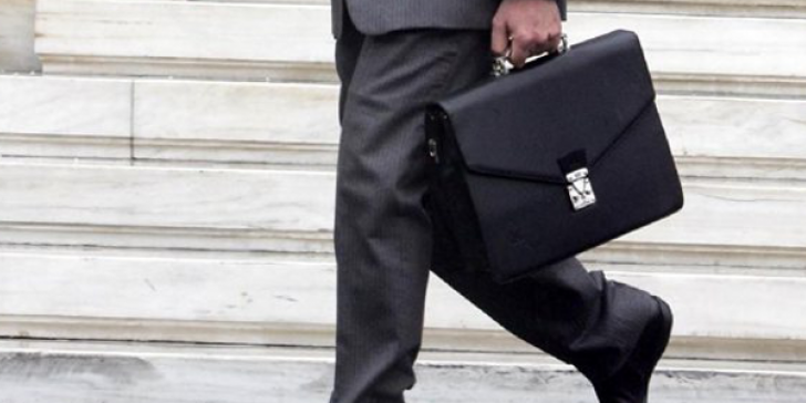 «Φρένο» στις προσλήψεις μετακλητών υπαλλήλων με εντολή Μητσοτάκη