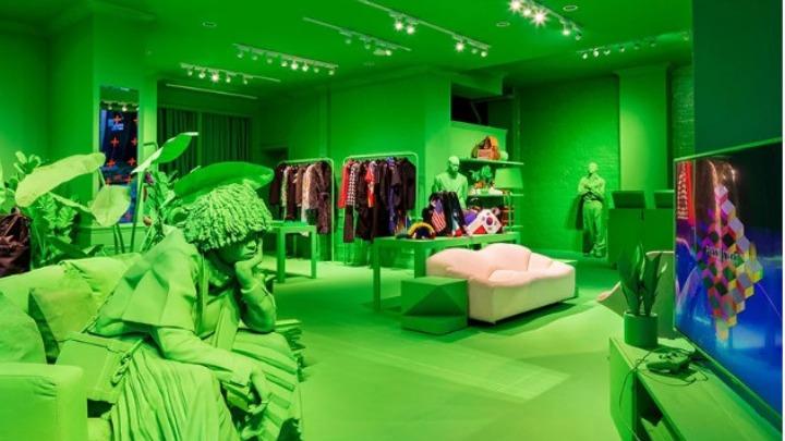 Κατάστημα-εγκατάσταση από Abloh και Louis Vuitton