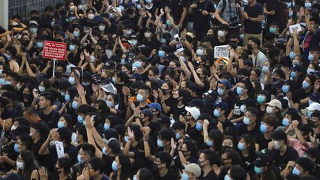 Χονγκ Κονγκ: Συμπλοκές διαδηλωτών – αστυνομίας στο διεθνές αεροδρόμιο (pics&vids)