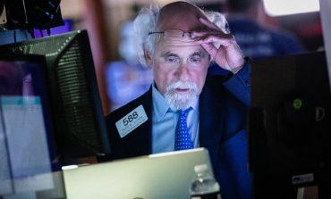 Επέστρεψαν οι εμπορικές ανησυχίες στη Wall Street