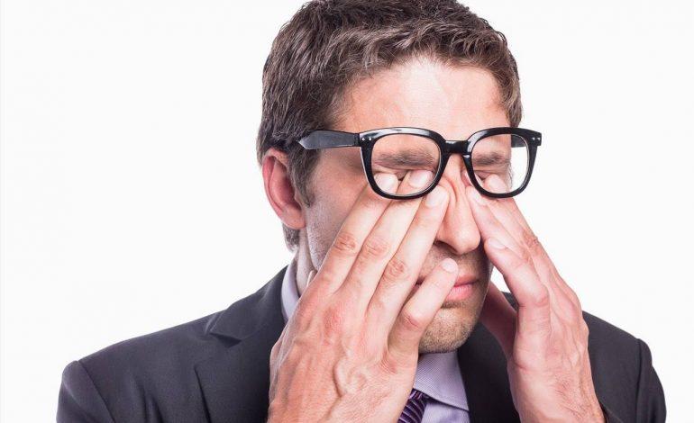 Τρίψιμο των ματιών: 8 λόγοι για να μην το κάνετε
