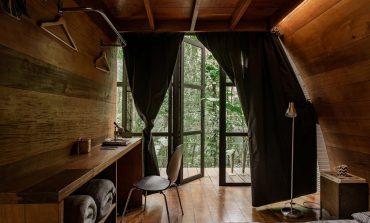 Arca House: Το πανέμορφο eco-friendly καταφύγιο «χωμένο» στο τροπικό δάσος