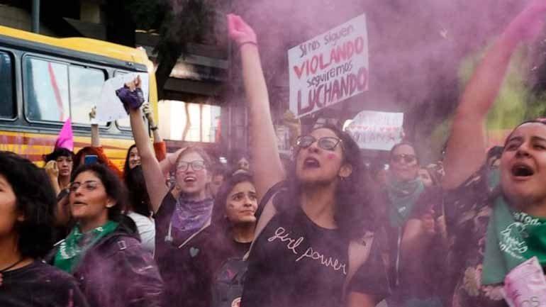 Μεξικό: Διαδήλωση  για βιασμούς εφήβων κοριτσιών από αστυνομικούς