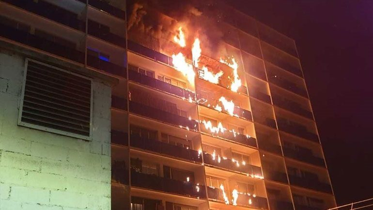 Γαλλία: Πυρκαγιά σε νοσοκομειακό συγκρότημα έξω από το Παρίσι – Τουλάχιστον ένας νεκρός