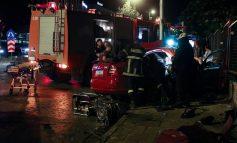 Γυναίκα εγκλωβίστηκε στις λαμαρίνες σε τροχαίο στο Παγκράτι