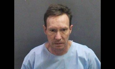 ΗΠΑ: Συνελήφθη ο εκατομμυριούχος φυγάς που στραγγάλισε τη σύζυγό του και την πέταξε στα σκουπίδια