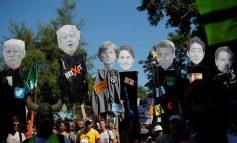 «Όχι στην G7. Για έναν καλύτερο κόσμο», φώναξαν διαδηλωτές κοντά στην Μπιαρίτς