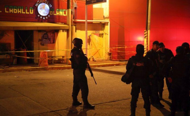 Φρίκη: 28 νεκροί από επίθεση ενόπλων με μολότοφ σε μπαρ