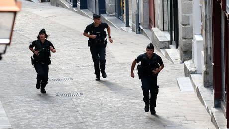 Γαλλία: Άνδρας έπεσε σκόπιμα με το όχημά του στην είσοδο τεμένους (pics&vid)