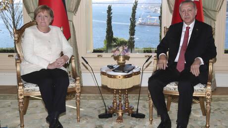 Για το προσφυγικό και την αύξηση των αφίξεων στην Ελλάδα συζήτησαν Μέρκελ-Ερτνογάν