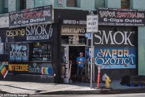 Σύσταση απαγόρευσης χρήσης ηλεκτρονικού τσιγάρου μετά το πέμπτο θανατηφόρο κρούσμα