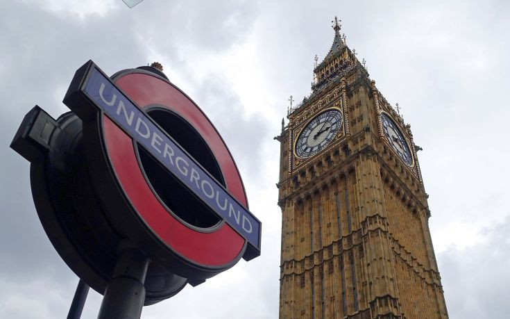 Τρόμος με δολοφονημένο άντρα στο μετρό του Λονδίνου