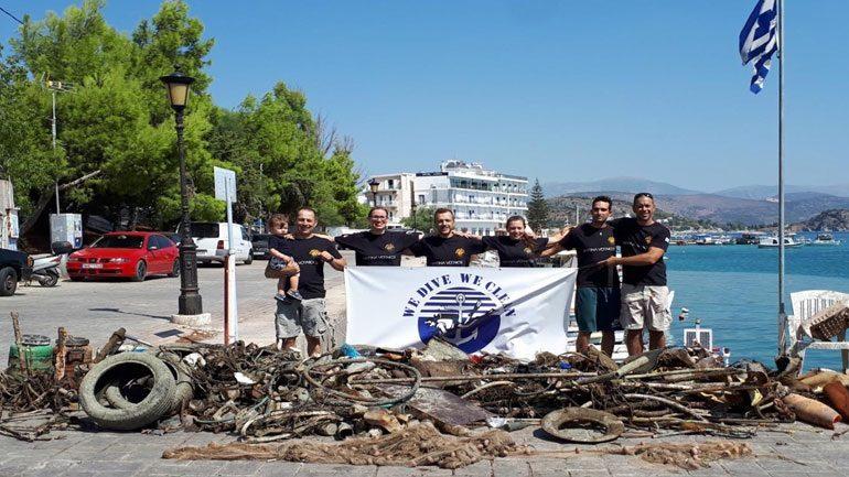 Kλιμάκιο δυτών καθάρισε το λιμάνι στο Τολό