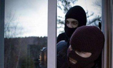 Κουκουλοφόροι μπούκαραν σε σπίτι στο Πόρτο Ράφτη