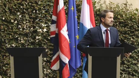 Brexit: Ο Τζόνσον ακύρωσε συνέντευξη Τύπου με τον Μπετέλ μετά από αποδοκιμασίες (vid)