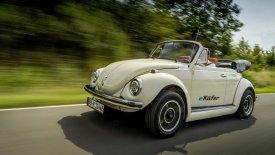 O ιστορικός «Σκαραβαίος» της VW μπήκε στην πρίζα!