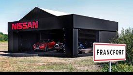 To Nissan Juke τρολάρει την έκθεση της Φρανκφούρτης (pics & vids)