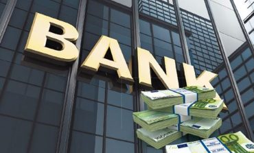 """Πιέσεις στις τράπεζες για μεγαλύτερο """"μαχαίρι"""" στα έξοδα"""