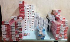 Επιχείρηση της ΕΛΑΣ για πρώτη φορά στο προαύλιο της ΑΣΟΕΕ: Τρεις συλλήψεις για λαθραία τσιγάρα