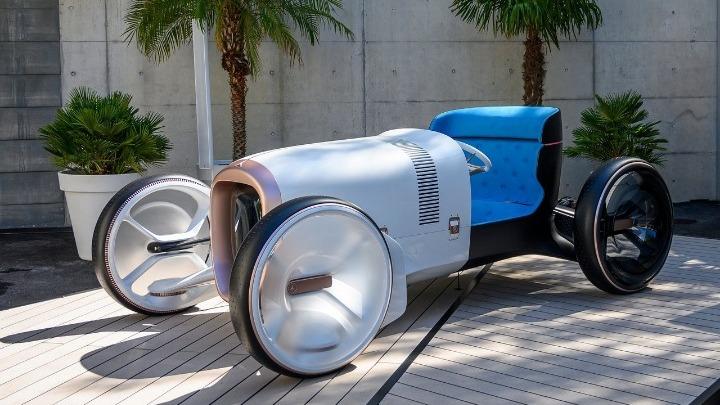 Η Mercedes παρουσίασε το Vision Simplex Concept