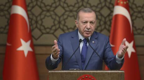 Απειλές κατά Κούρδων, ειρωνείες κατά Ε.Ε: Νέο ξέσπασμα Ερντογάν για μεταναστευτικό και βόρεια Συρία
